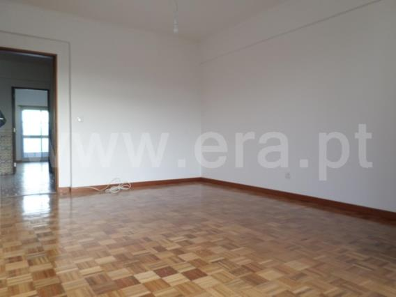 Apartment T2 / Odivelas, Arroja