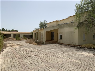 Detached house T5 / Loulé, Almancil